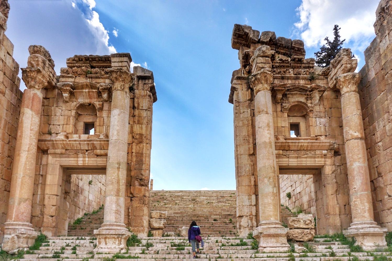 15:00 - 17:45 Jerash (ancient Gerasa)